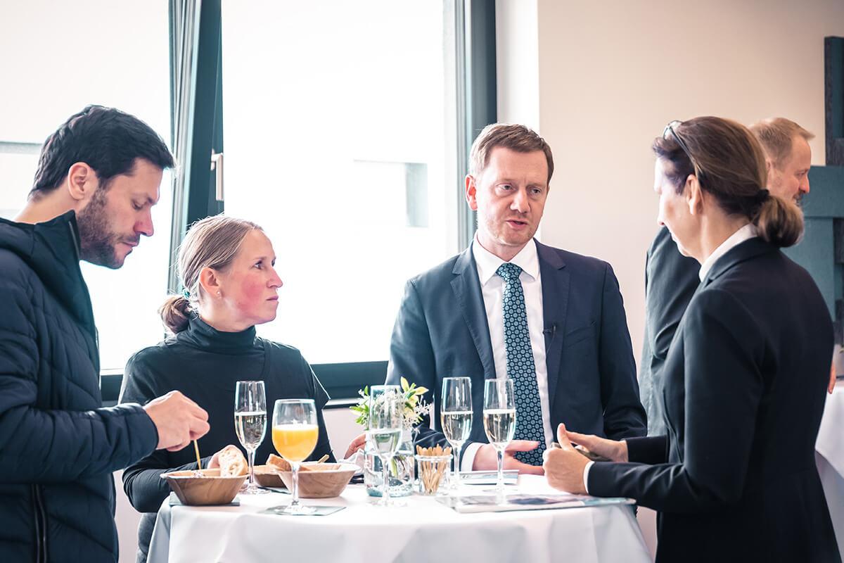 Michael Kretschmer, Ministerpräsident Sachsens, Gesine Grande, BTU, TU Dresden, dresden exists auf einer Dock3 Veranstaltung.
